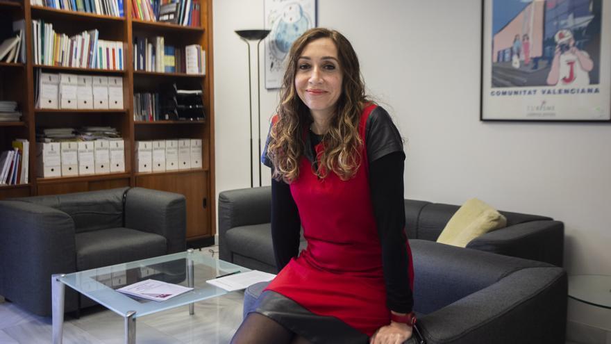 """Isaura Navarro, secretaria autonómica de Salud Pública: """"¿Mi relación con la consellera? Cuando me llama, subo a verla"""""""