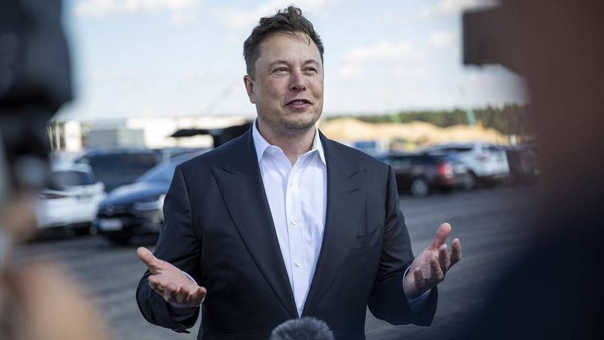Elon Musk huye ahora del bitcoin y su valor se desploma en horas
