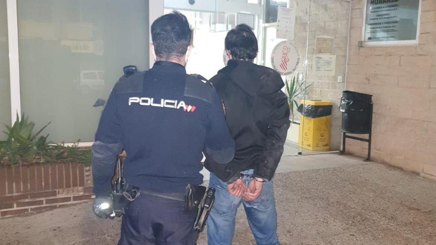 Detenido por dos robos en comercios del barrio Carolinas Altas en Alicante