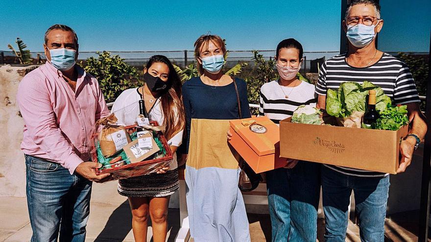 Entrega de lotes con productos de Lanzarote en Tinajo