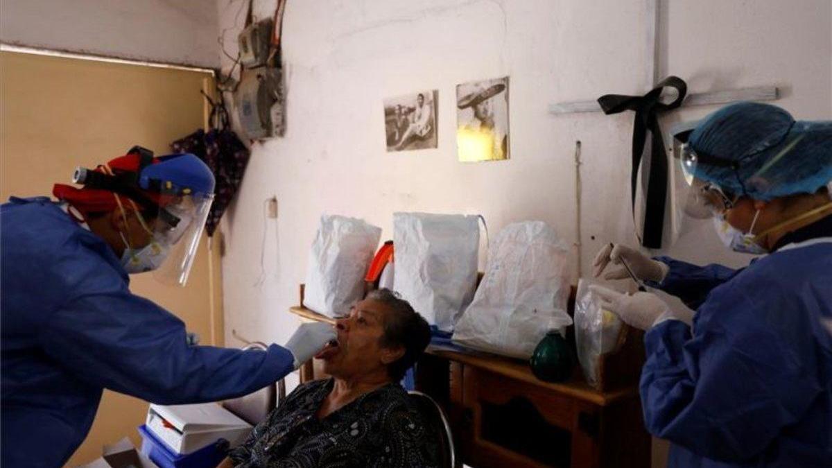 México registra casi 350.000 contagios y 40.000 muertes por covid-19