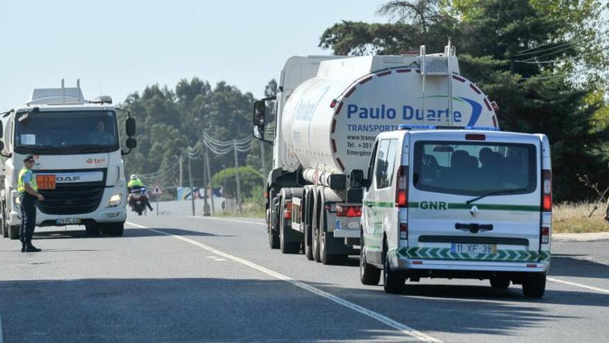 El Gobierno portugués recurre al Ejército y amenaza con cárcel a los huelguistas