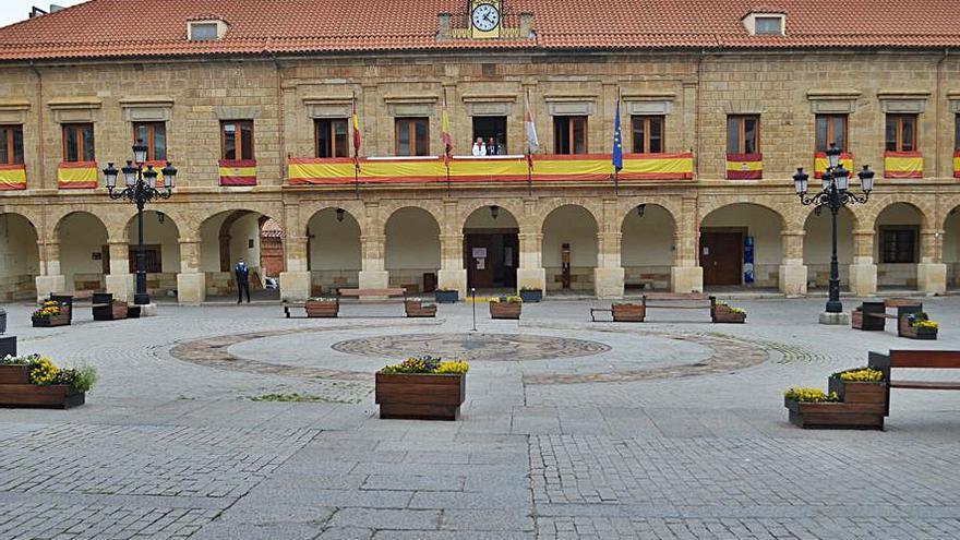 La Plaza Mayor de Benavente acoge esta noche un espectáculo de circo gratuito
