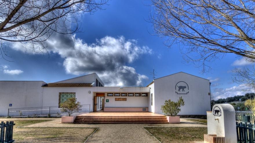 El centro de visitantes de Venta Nueva en Cardeña y el mirador Laguna Amarga en Lucena dispondrán de nuevas pasarelas de acceso