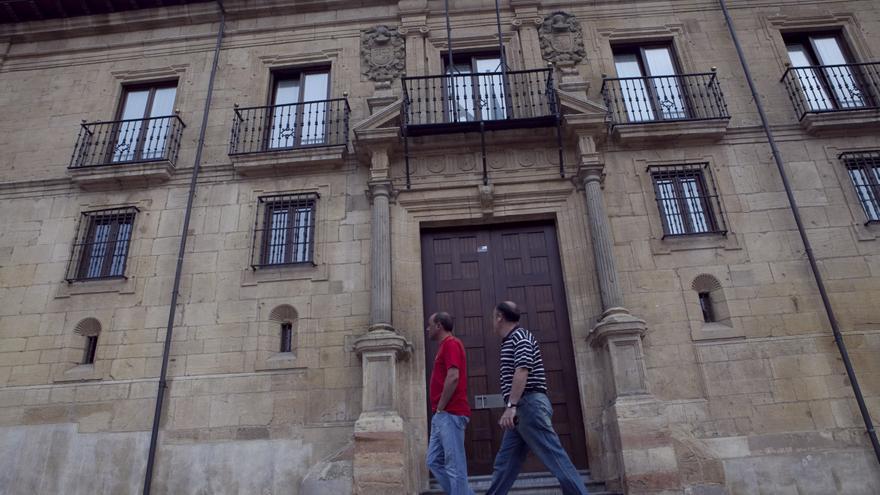 """El Ridea, premio """"Moscon de oro nacional e internacional"""" por su incansable impulso a los estudios sobre Asturias"""
