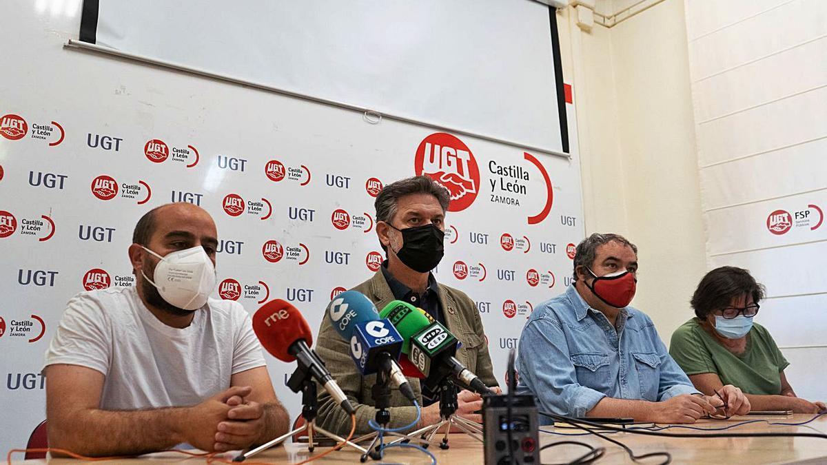Eduardo Folgado, José Luis Vázquez, Tomás Pérez Urueña y Visitación Peral.  José Luis Fernández