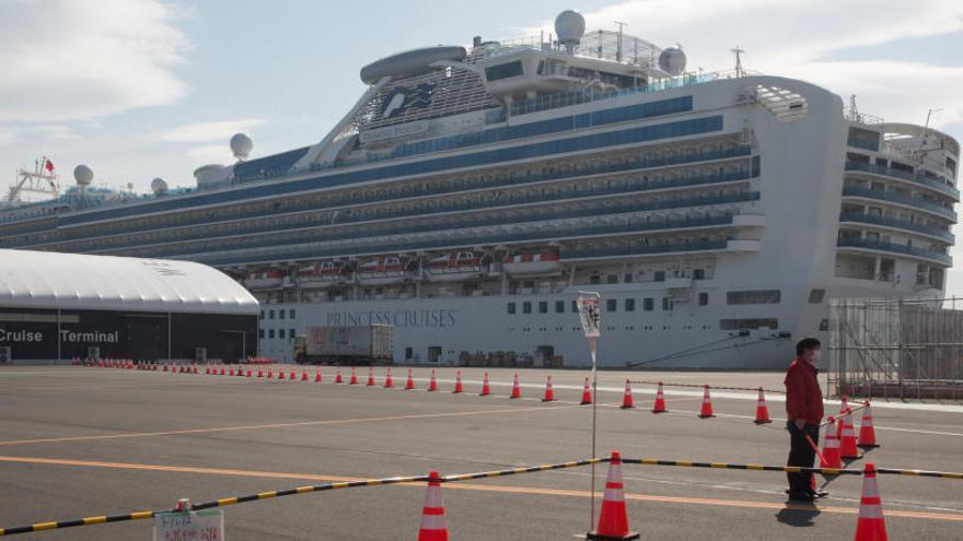 Detectan 70 casos más de coronavirus en el crucero en cuarentena en Japón