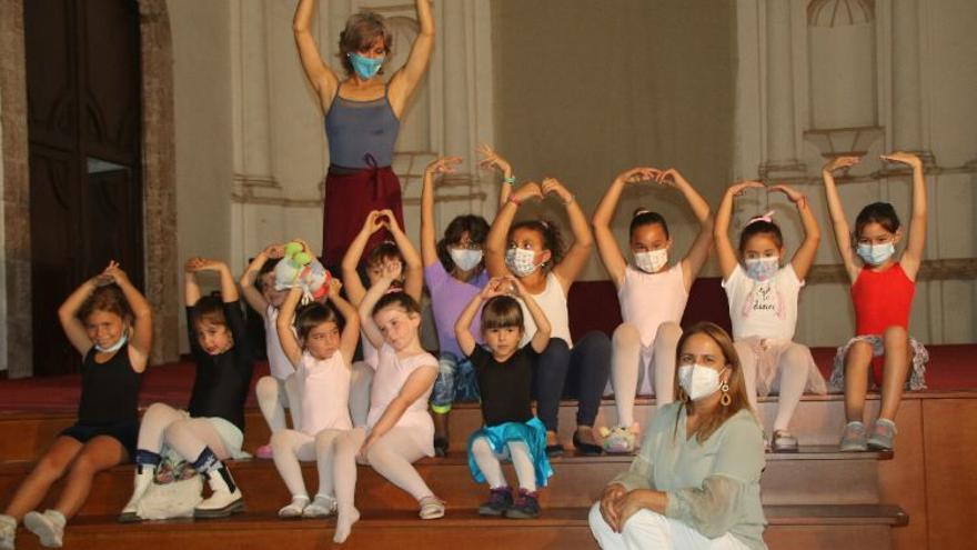 Ballet clásico en Teguise para celebrar el Día de la Danza