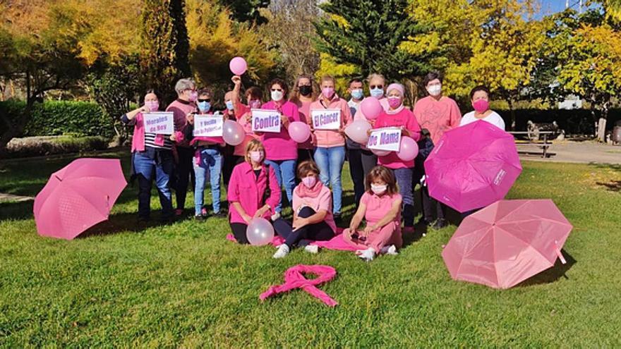 Morales del Rey y Vecilla de la Polvorosa se visten de rosa y dan visibilidad a la lucha contra el cáncer de mama
