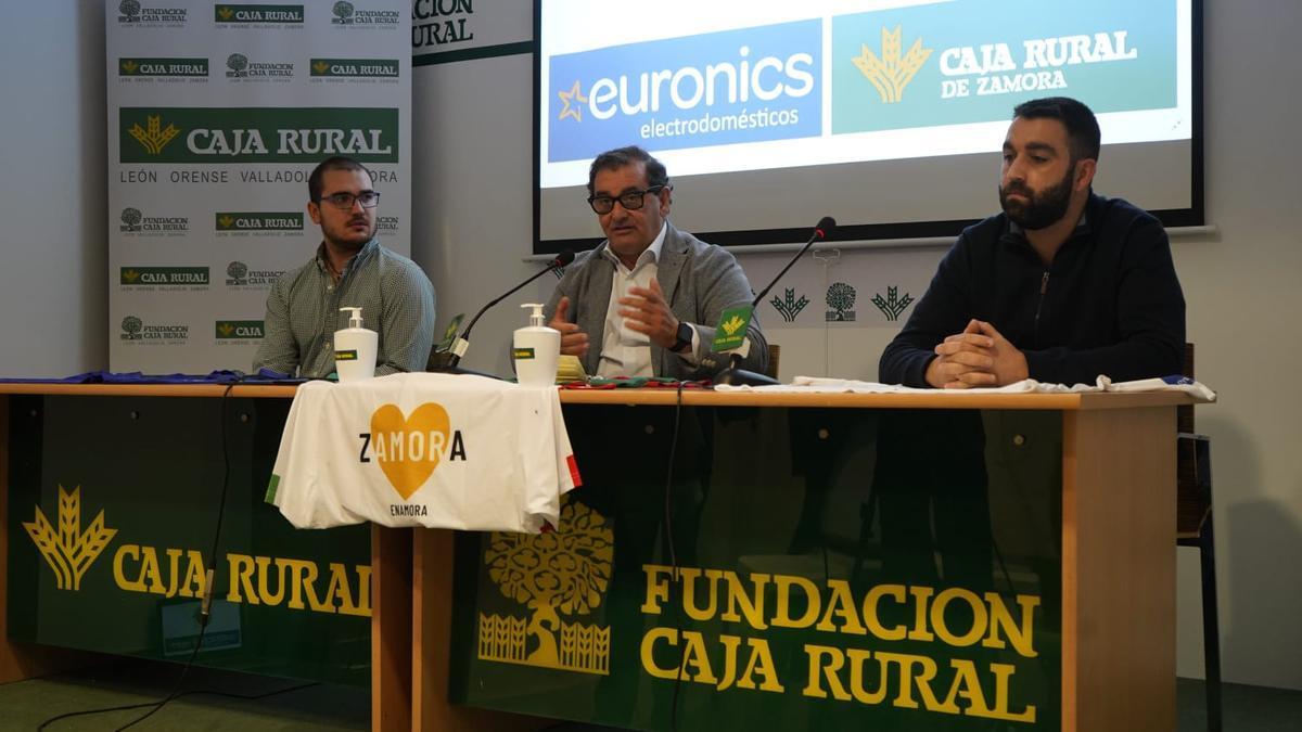 Imagen de la rueda de prensa de InterSala Zamora y Caja Rural.