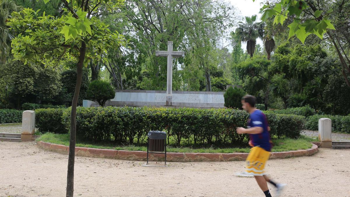 El parque Ribalta dejará de albergar la Cruz y sumará este espacio tras ejecutar su remodelación.
