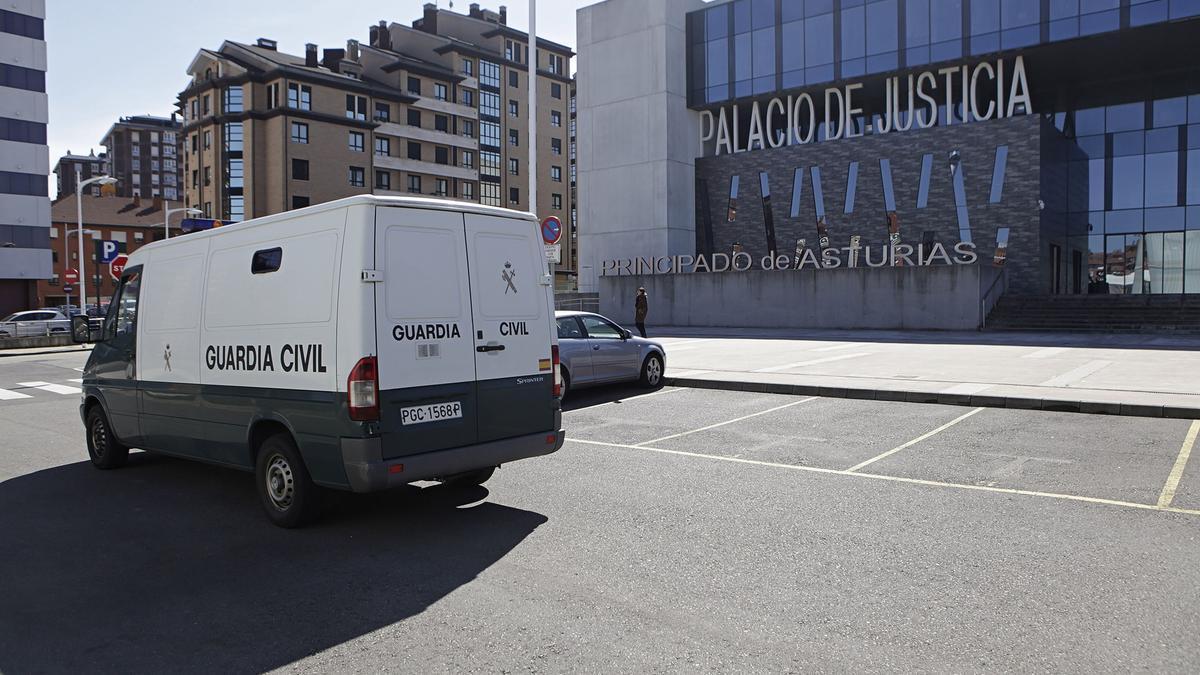 El Palacio de Justicia de Gijón.