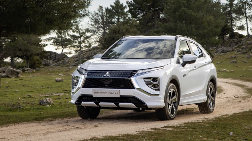 Mitsubishi Eclipse Cross PHEV, renovado y enchufable