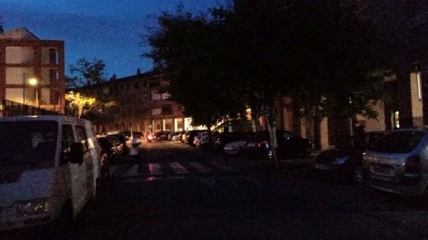 Moreras exige resolver los problemas de iluminación que dejan sus calles a oscuras