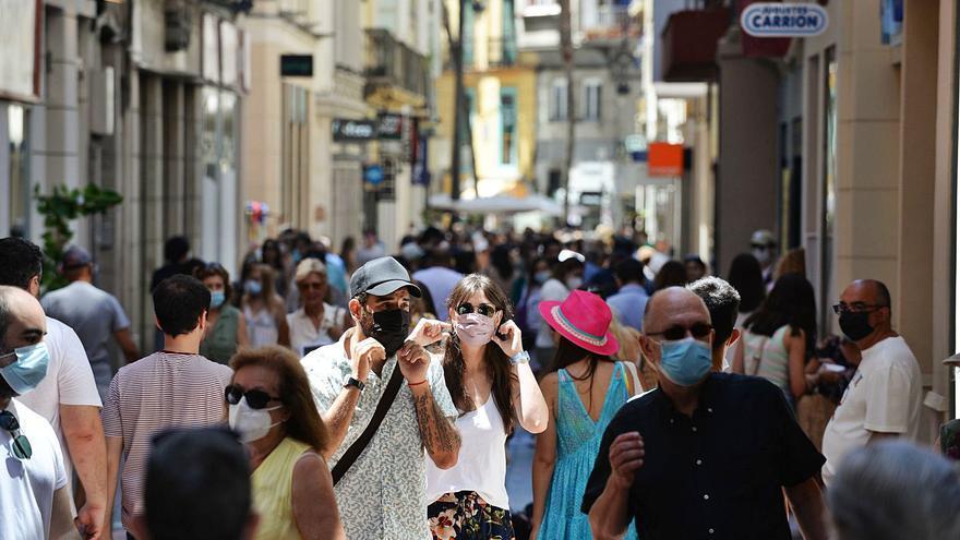 La progresiva caída de la incidencia en Málaga la acerca a niveles de normalidad