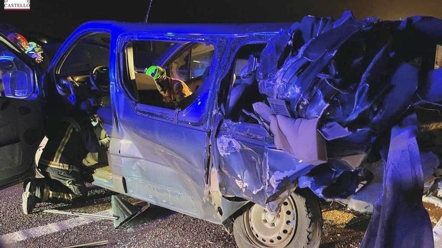 Ocho heridos tras accidentarse una furgoneta en la A-7 en Almenara