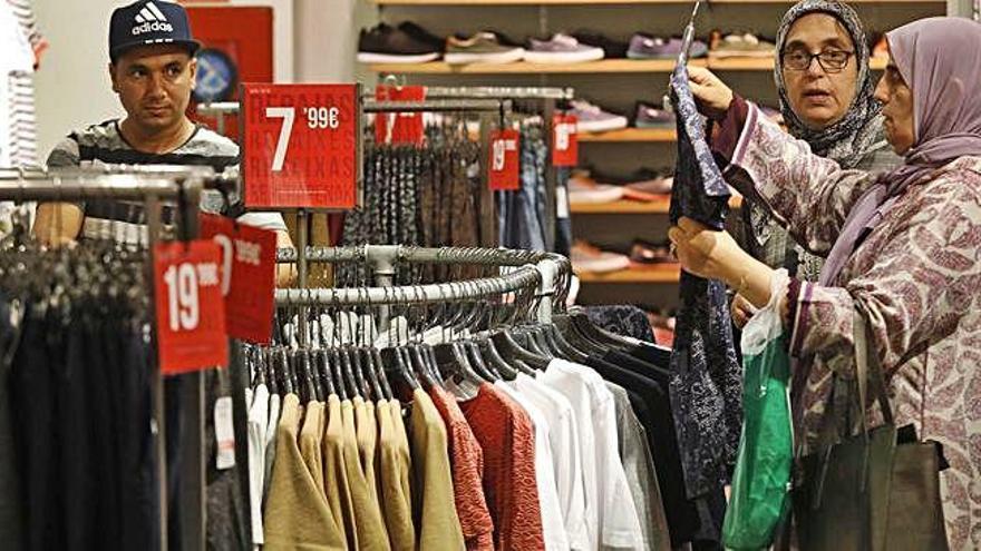 El comerç tèxtil preveu facturar un 4 per cent més en el període de rebaixes