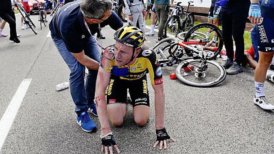 Albert Torres es octavo en una etapa del Giro de Italia con caída múltiple