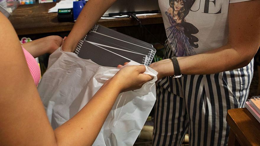 El regreso a las clases obliga a las familias a hacer acopio del material