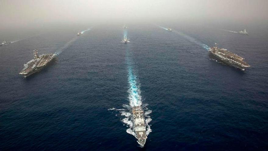 Una fragata con base en Ferrol escolta al portaaviones de EEUU Abraham Lincoln en una misión en el Golfo contra Irán
