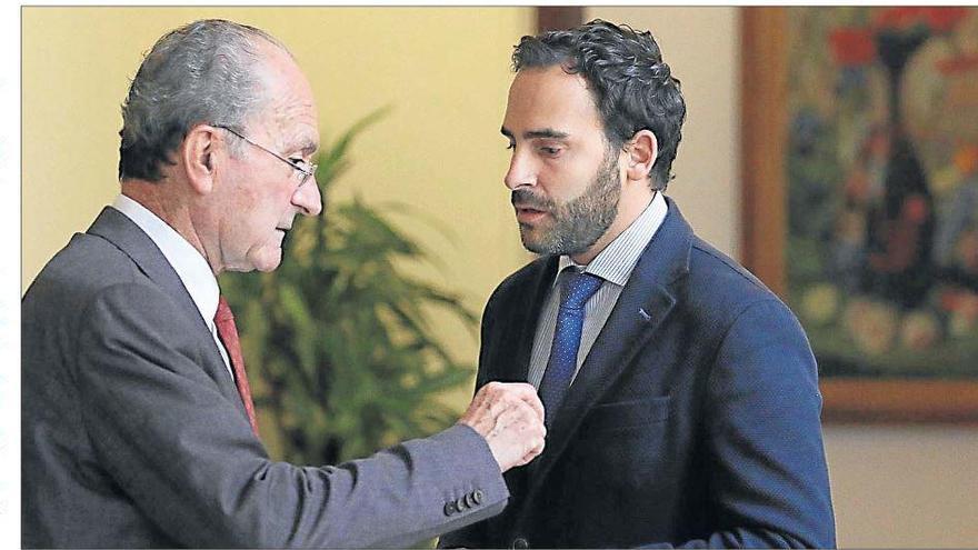El alcalde no va a la comisión de Urbanismo y provoca el enfado del PSOE