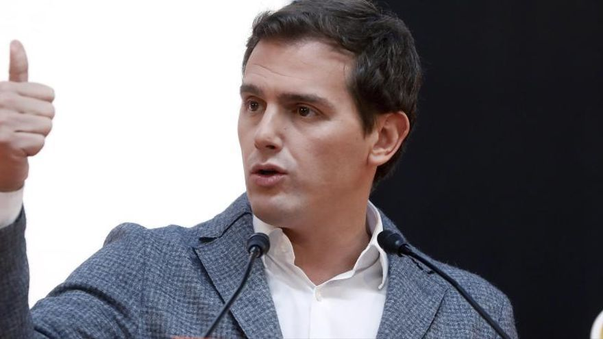 """Rivera compara Puigdemont amb Le Pen per voler """"destruir"""" la Unió Europea"""