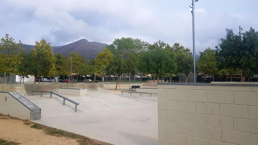 Joventut de Roses convoca els usuaris de l'skate parc per dinamitzar-lo