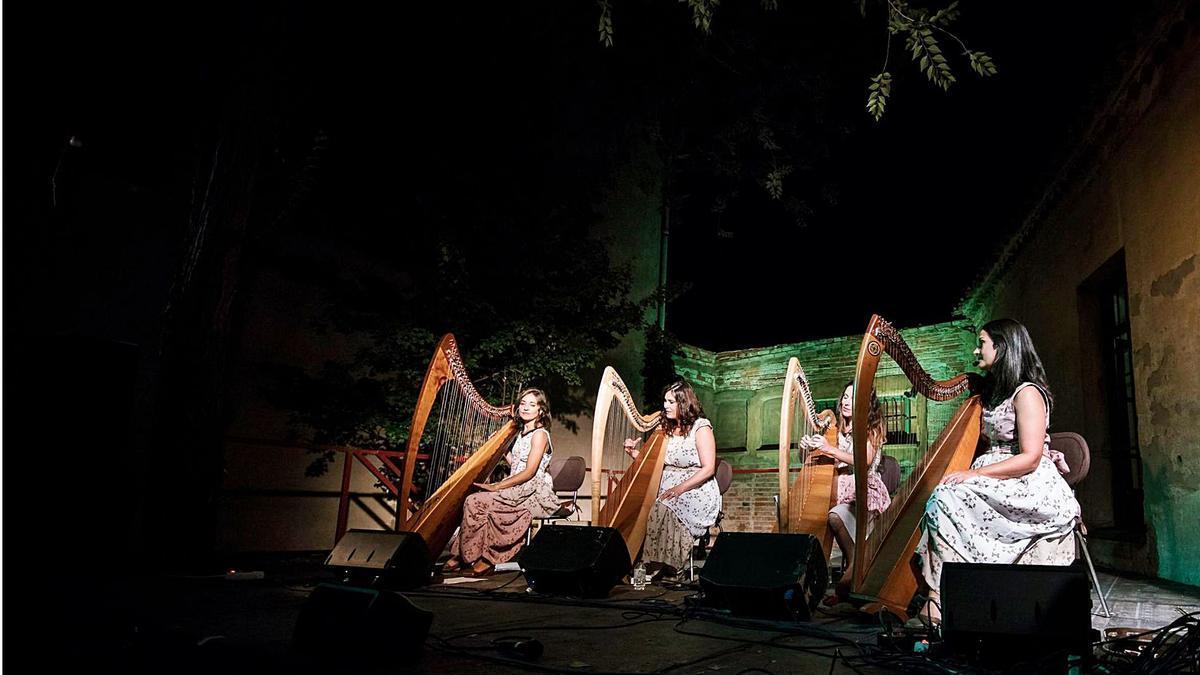 Imaxe dun concerto das Lulavai.   | // CHUCHI GUERRA