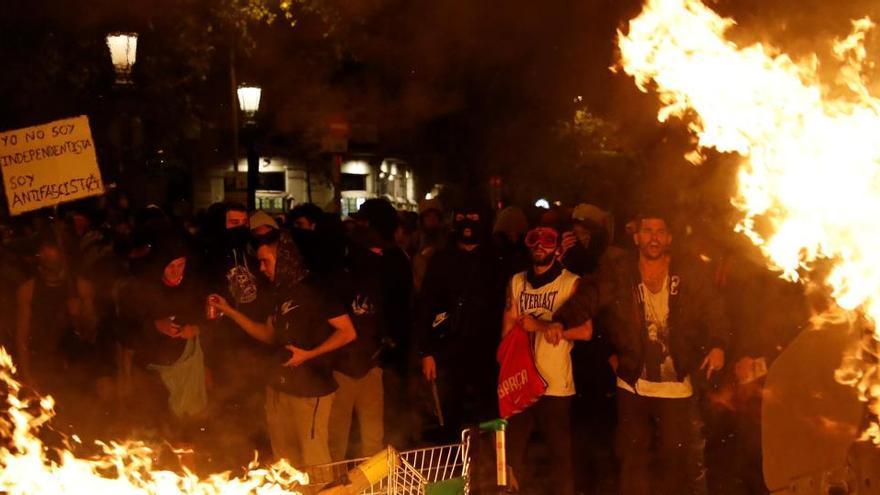Investigan a 16 mossos y 3 policías nacionales por los disturbios tras el fallo del 1-O