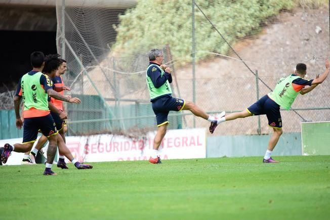 Entrenamiento UD Las Palmas en Barranco Seco ...