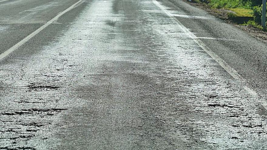 El Concello pide a la Xunta la mejora del vial Lalín-Cruces