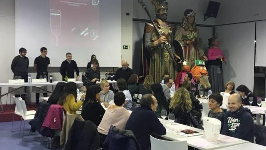 Alumnes del cicle d'enologia de Sant Fruitós s'estrenen en la realització d'un tast de vins