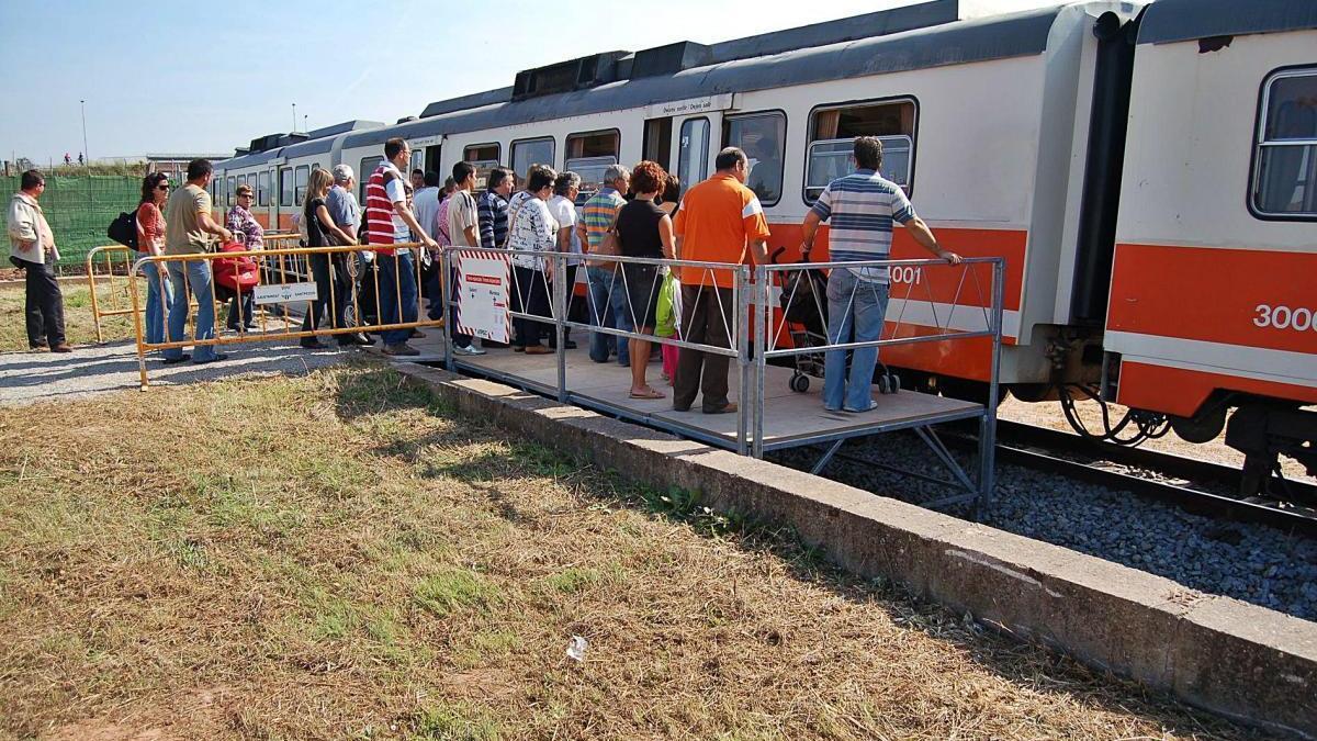 Una de les experiències d'ús de les línies de potassa per al transport de viatgers, per la Fira de Sant Miquel de Santpedor del 2007