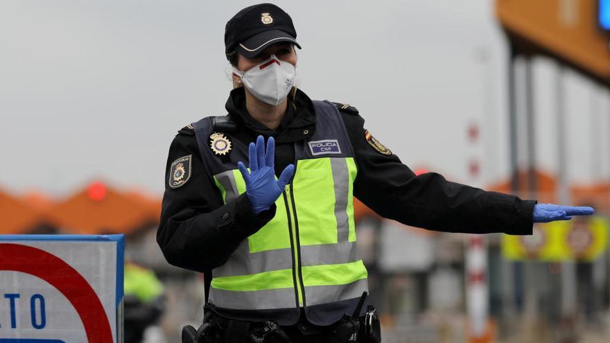 Denunciados 19 franceses por cruzar la frontera de La Jonquera para ir a un club