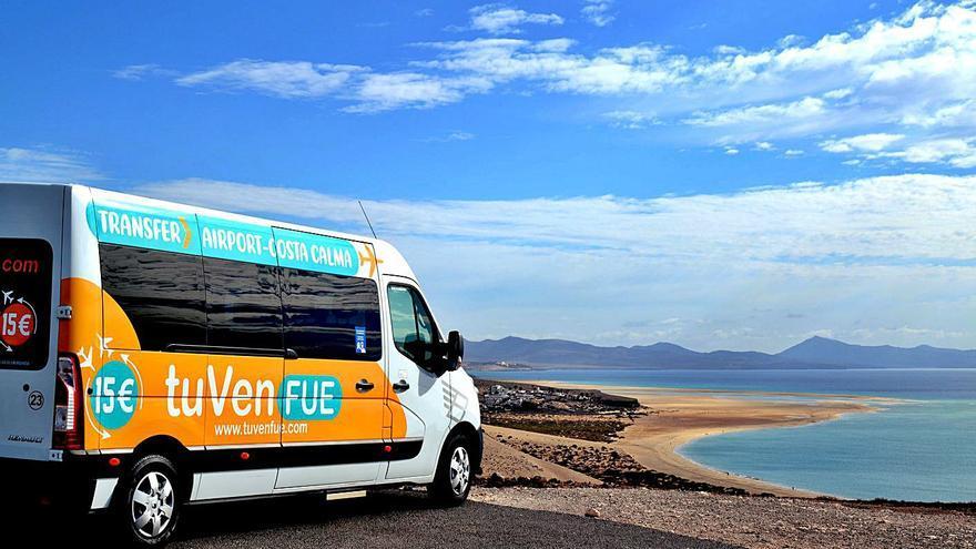 Los empresarios crean un servicio de traslado de turistas hasta el Sur