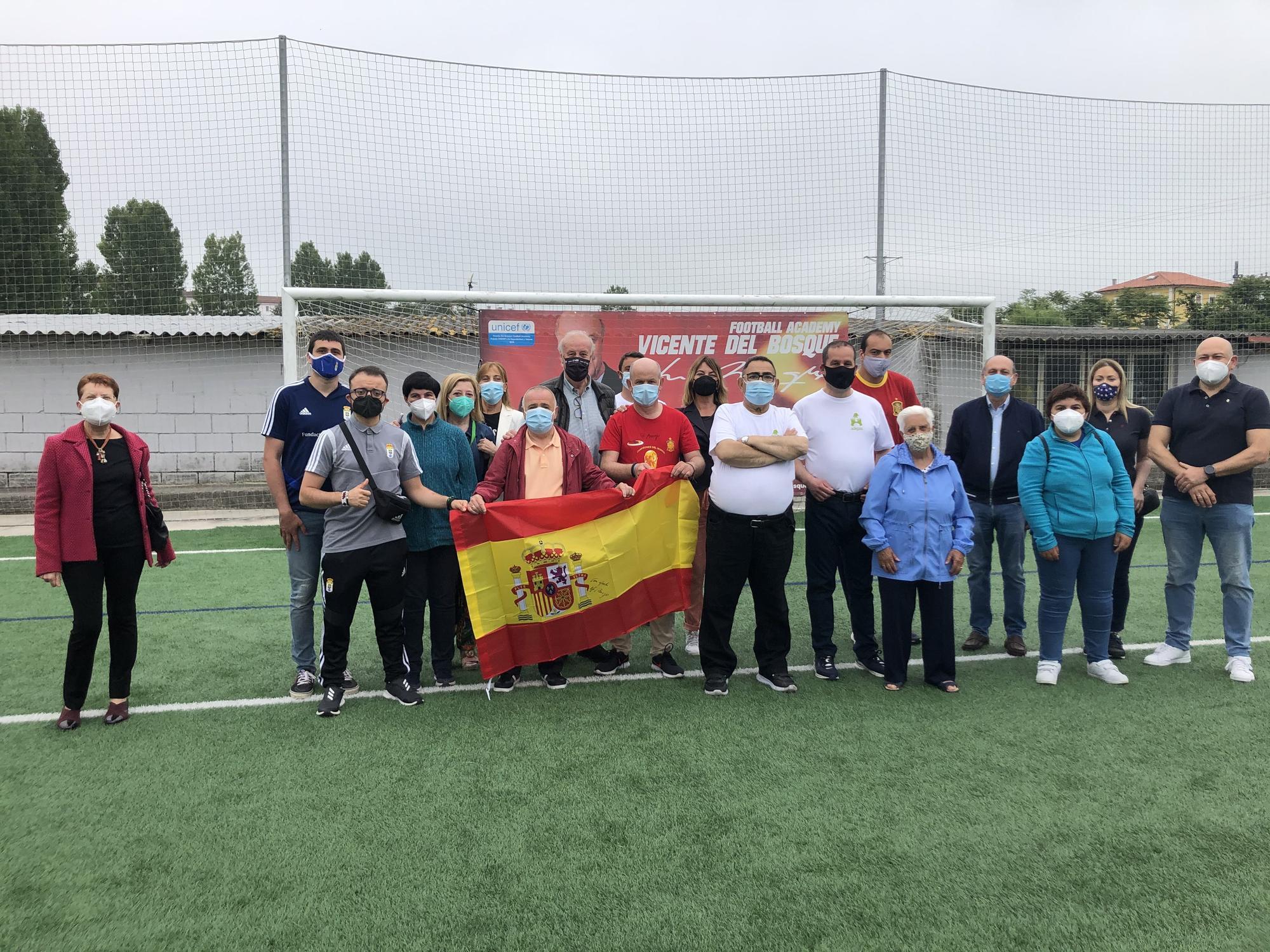 Vicente Del Bosque, lecciones de fútbol y de humildad en Noreña