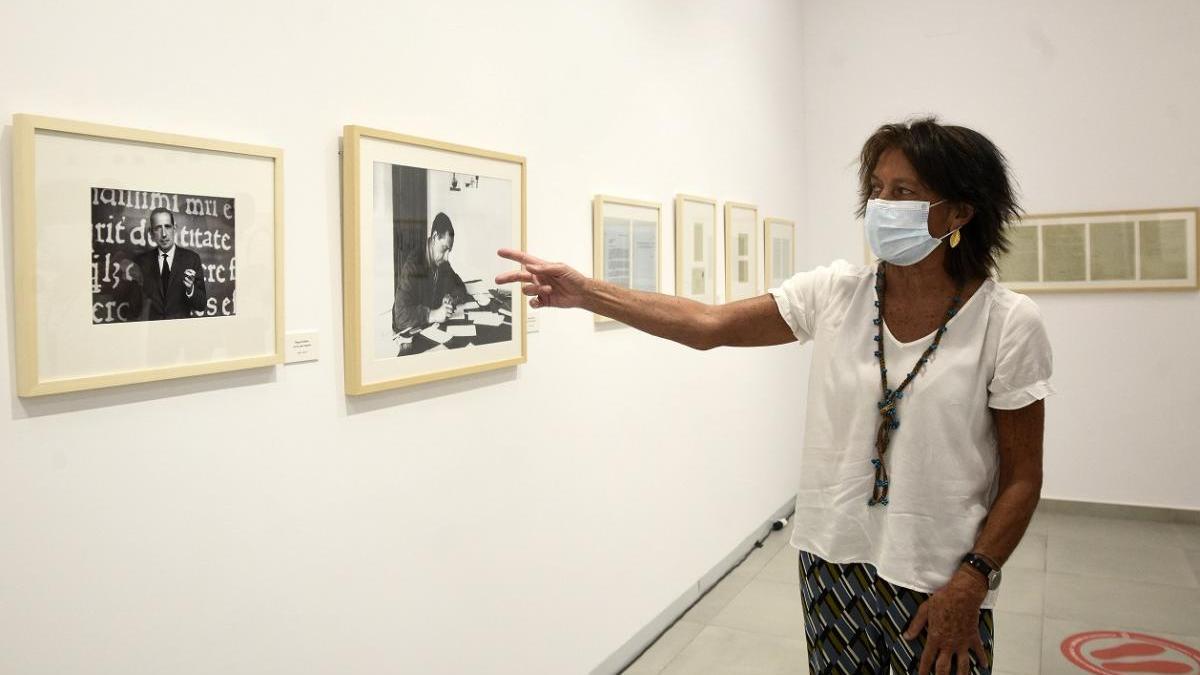 Elisa Delibes, hija del escritor, visitó la exposición.