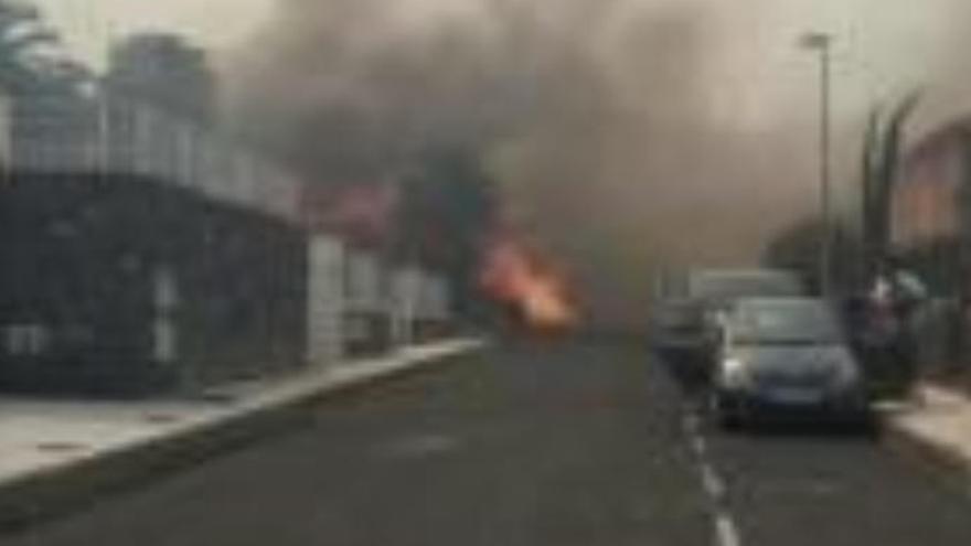 Desalojo de mil personas en numerosos incendios de Tenerife