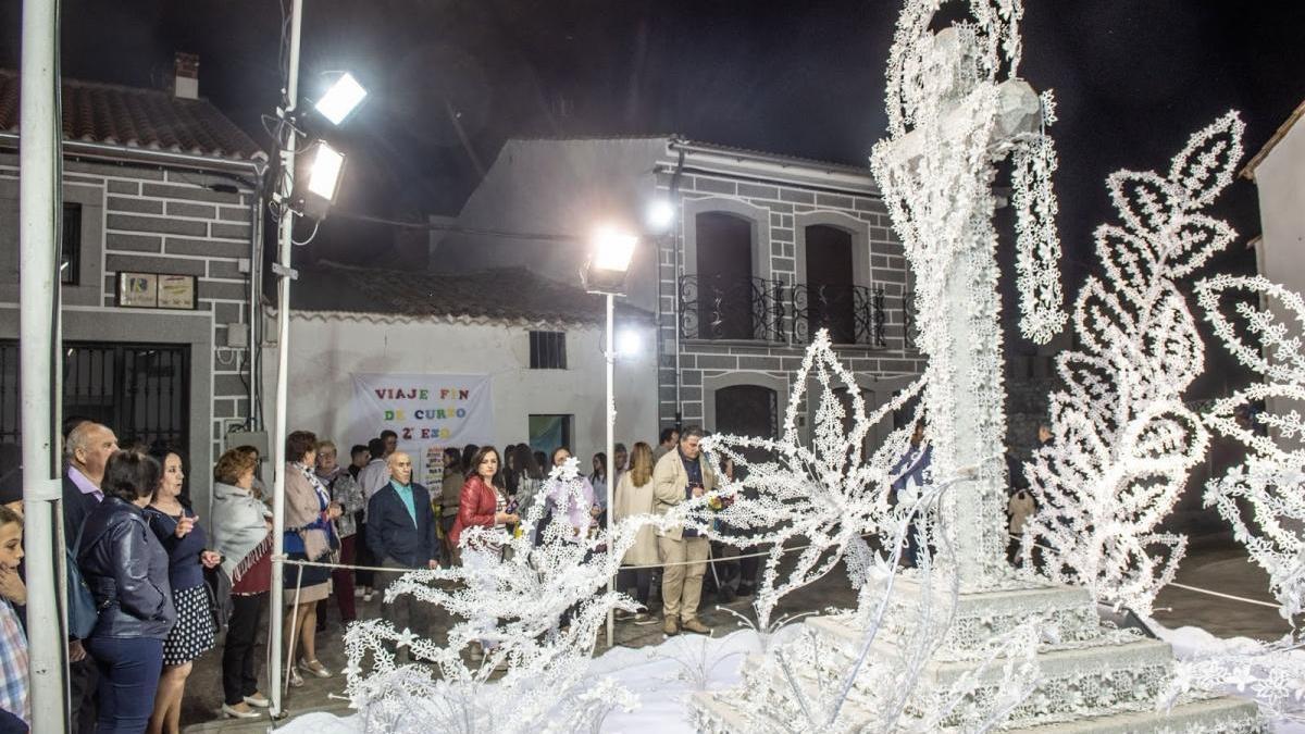 Coronavirus en Córdoba: Añora traslada su Fiesta de la Cruz a los balcones
