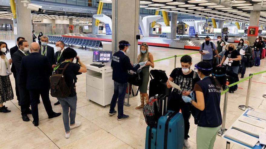 Turismo y patronales trabajan en un protocolo de pruebas en origen y destino