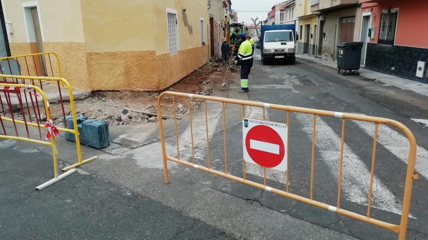 Finalizan las obras de adecuación de las aceras de la Calle Fútbol Viejo en Bullas
