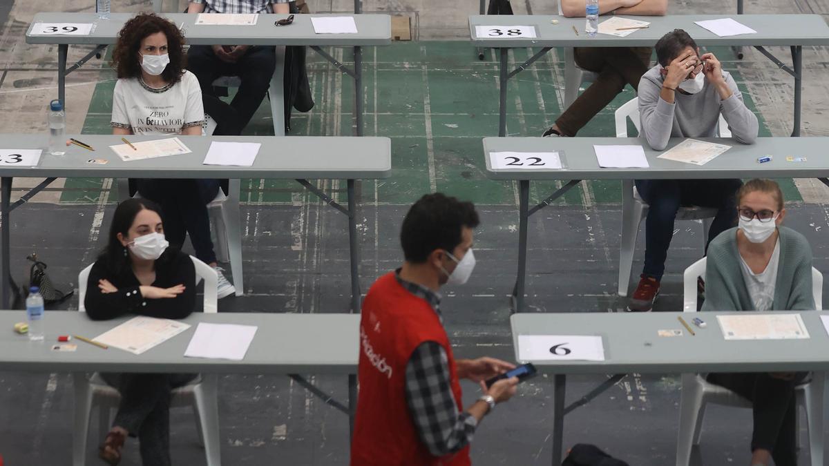 Opositores al inicio de las pruebas.