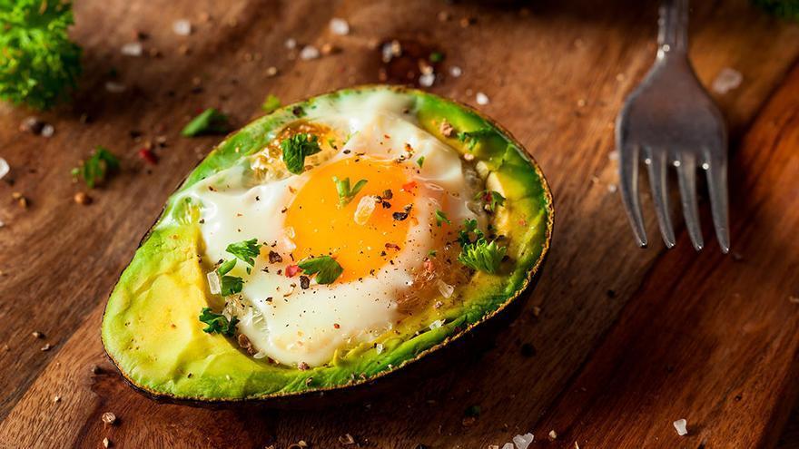 La forma más sana de comer el aguacate: al horno y en tan solo unos minutos