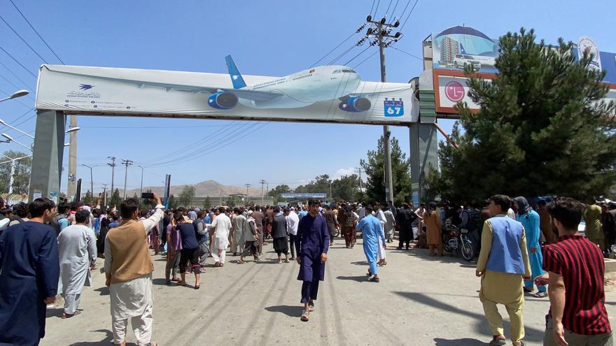 El aeropuerto de Kabul vuelve a la calma tras una jornada dramática