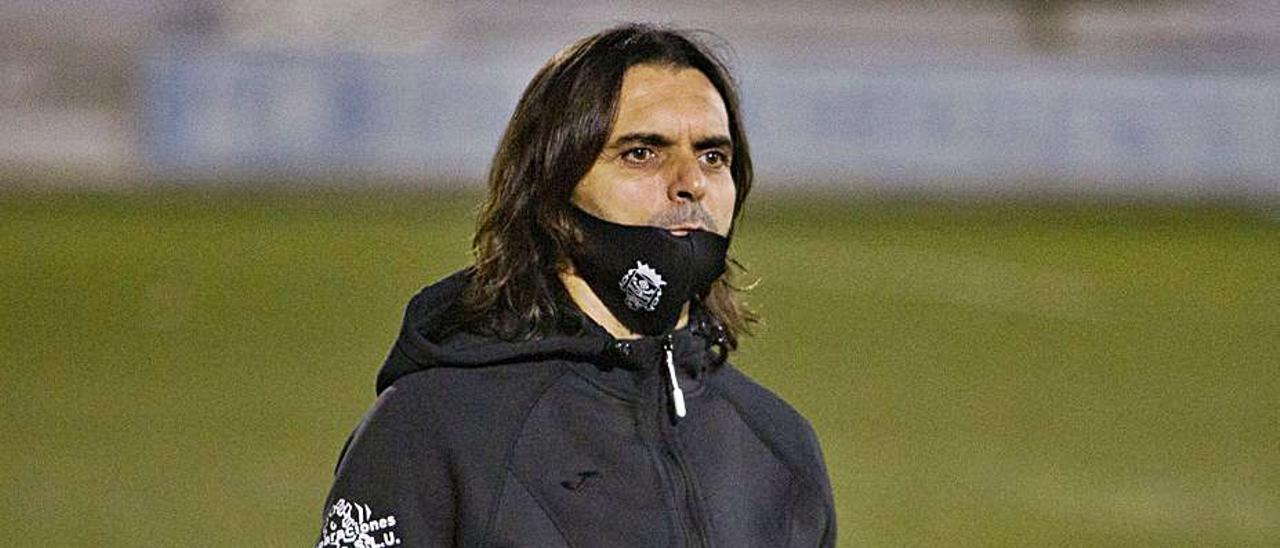 Abel Buades, destituido como técnico del Olímpic. | PERALES IBORRA
