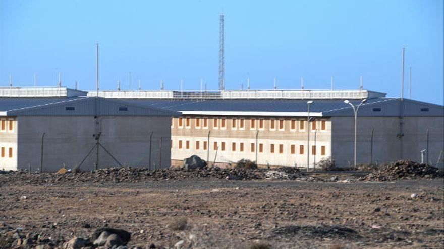 Aíslan a cinco internos de una cárcel de Las Palmas tras un intento de motín