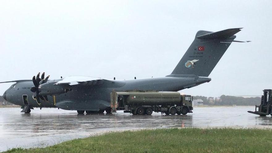Llega a España un avión con suministros turcos