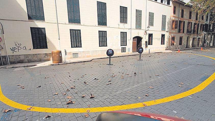 Los vecinos de la plaza Quadrado temen la invasión de terrazas tras hacerla peatonal