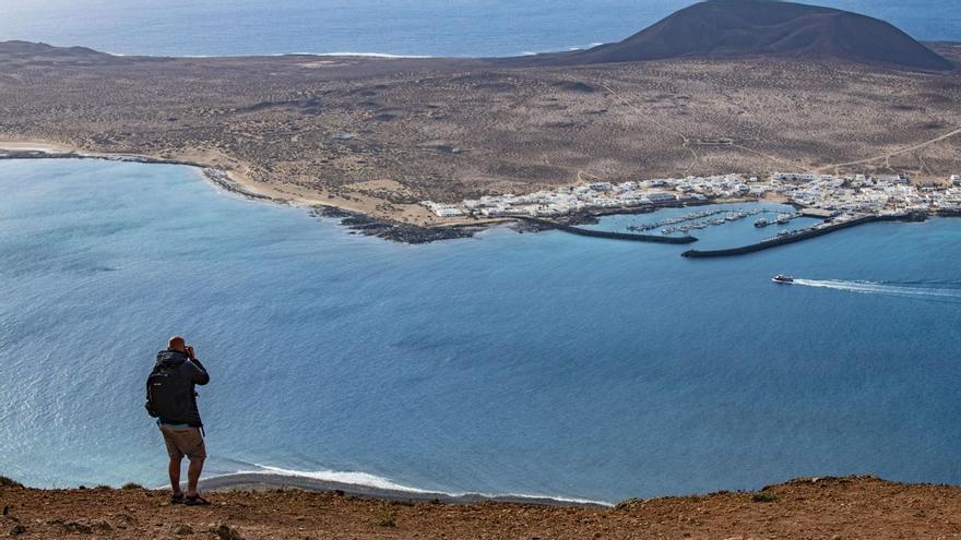 Tinder selecciona seis planes en Canarias para tus citas este verano