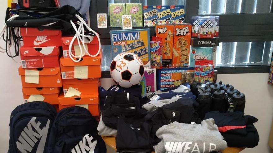 Factory Bonaire dona ropay juguetes a la Fundación Soñar Despierto